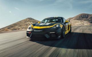 Kado Porsche Untuk Penggila Kecepatan di Awal Tahun - JPNN.com