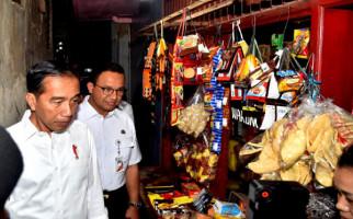 Pengamat Beber Data Kinerja Ekonomi Anies Lebih Baik ketimbang Jokowi - JPNN.com
