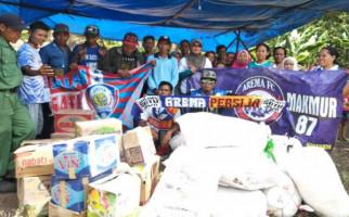 Aremania Muba Salurkan Bantuan untuk Korban Tsunami Selat Sunda - JPNN.com