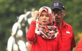 Titi Honorer K2: Tidak Ada yang Berubah Meski Kami Dicaci dan Difitnah - JPNN.com