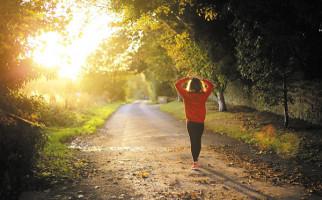 Apakah 10.000 Langkah Sehari Bisa Membantu Anda Hidup Lebih Lama? - JPNN.com