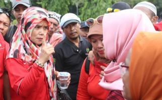 Hugua: Titi Honorer K2 Datang ke Saya, Nangis-nangis - JPNN.com