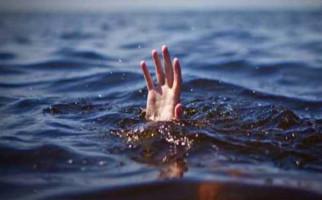 Terpeleset Saat Cari Ikan, Bocah 8 Tahun Tenggelam di Danau - JPNN.com