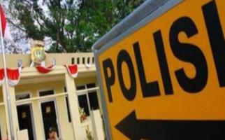 Diduga Sengaja BAK Dekat Wanita, Oknum Polisi Dilaporkan ke Paminal Polda Lampung - JPNN.com