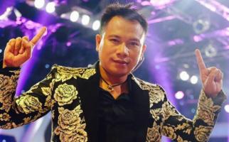 Vicky Prasetyo Sesumbar Sudah 24 Kali Menikah - JPNN.com