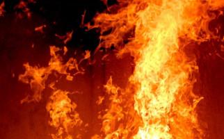 Kebakaran di Tebet Dipicu Rebusan Cilok - JPNN.com