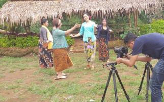 Lewat Lagu, Bravo 5 Ajak Perempuan Menangkan Jokowi - JPNN.com