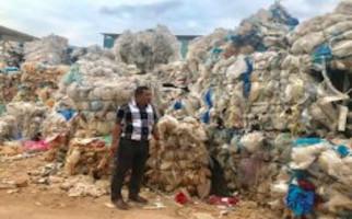 DLH Batam Tolak Beri Izin Lingkungan pada Pabrik Daur Ulang Sampah Plastik - JPNN.com