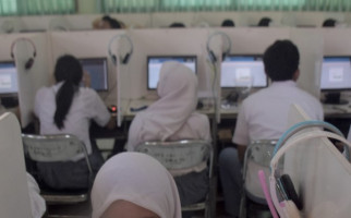 Hebat ! Anak Tukang Las Raih Nilai UN Tertinggi dan Lolos Masuk Fakultas Kedokteran - JPNN.com