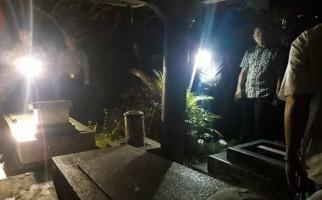 Delapan Nisan di Makam Bethesda Dirusak, Ada Juga yang Dibakar - JPNN.com