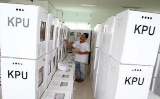 Ratusan Mahasiswa Geruduk Kantor KPU Riau - JPNN.com