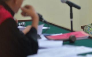 Tepergok Berbuat Mesum di Rumah Dinas, Oknum Hakim Dipecat - JPNN.com