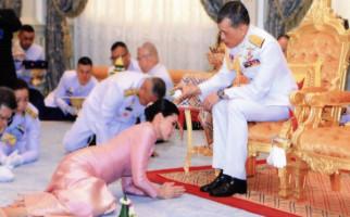 Berlibur dengan 20 Selir ke Jerman, Raja Thailand Dicibir Rakyatnya - JPNN.com