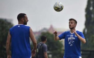Persib vs Kalteng Putra: Rene Alberts Pusing, Gomes De Olivera Pasrah - JPNN.com