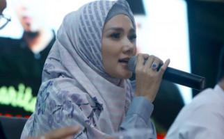 Mulan Jameela Mengunjungi Ahmad Dhani di Cipinang - JPNN.com
