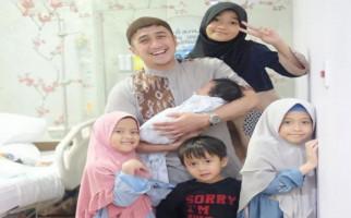 Selamat, Irfan Hakim Dikaruniai Anak Kelima - JPNN.com