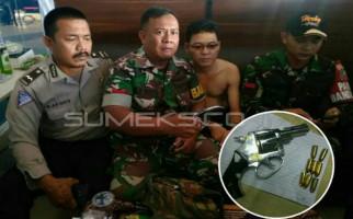 Penumpang Lion Air Ditangkap Lantaran Bawa Senpi Rakitan Plus 8 Peluru - JPNN.com