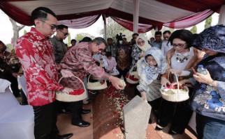 Politik Sedang Riuh, Pak SBY Tetap Fokus Tulis Buku dan Naskah Lagu Tentang Bu Ani Yudhoyono - JPNN.com