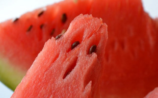 5 Manfaat Konsumsi Buah Semangka Untuk Ibu Hamil - JPNN.com