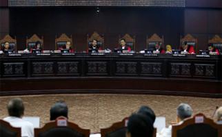 Hakim MK Sebut Revisi Gugatan Prabowo - Sandi Tidak Perlu Dipersoalkan - JPNN.com