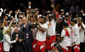 Ukir Sejarah, Toronto Raptors Rebut Juara NBA di Kandang Golden State Warriors - JPNN.com