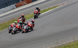 Pembalap Indonesia Kuasai Podium Balap Motor Asia di Malaysia - JPNN.com