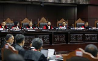 Hakim MK Tidak Pertimbangkan Kesaksian Keponakan Mahfud MD - JPNN.com