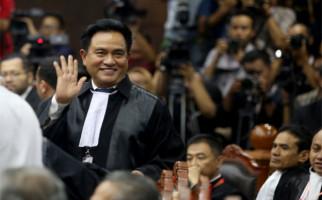 Dua Cagub Sumbar Menggugat ke MK, Yusril Jadi Pengacara Cek Endra-Ratu Munawaroh - JPNN.com