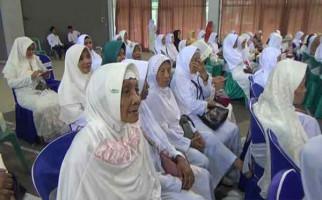 Nenek Berusia 107 Tahun Ikut Daftar Calon Jemaah Haji - JPNN.com