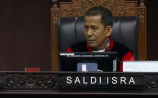 Prof Eddy Hiariej Berani Ungkap Identitas Hakim Saldi Isra, Hahaha - JPNN.com