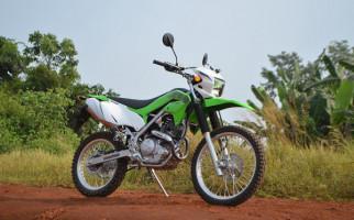 Perbedaan Kawasaki KLX230 di Indonesia dan Amerika Serikat - JPNN.com