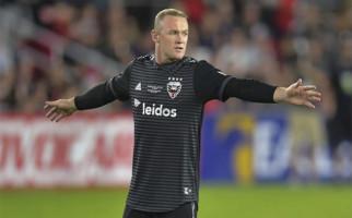 Wayne Rooney Belum Habis! Lihat Golnya dari Setengah Lapangan, Masyaallah - JPNN.com