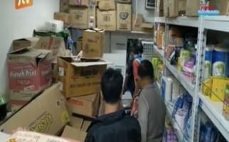 Menegangkan, Pintu Didobrak, Pembeli Misterius Langsung Todongkan Senjata Api - JPNN.com
