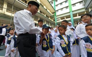 Tinjau Hari Pertama Sekolah, Mendikbud Minta Terapkan Sistem Kakak dan Adik Asuh di PLS - JPNN.com