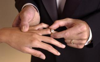 Hasil Survei: Ada Anak yang Setuju Pernikahan Dini untuk Menghindari Zina - JPNN.com