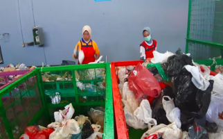 Pemkot Terbitkan Surat Larangan Penggunaan Kantong Plastik - JPNN.com