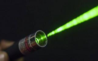 Laser Jadi Senjata Andalan Demonstran Hong Kong - JPNN.com