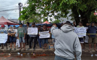 Imigrasi Sorong Deportasi 4 WN Australia Peserta Unjuk Rasa Tuntut Papua Merdeka - JPNN.com