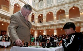 Legenda Catur Rusia Dipersulit Masuk Amerika - JPNN.com