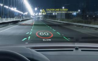 Jaguar Land Rover Kenalkan Layar 3D di Kaca Depan Mobil - JPNN.com