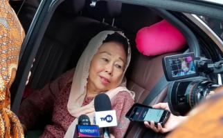 Sekotak Kurma dari BJ Habibie Buat Sinta Nuriyah - JPNN.com