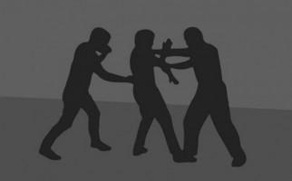 Dua Anggota Polisi Dikeroyok Delapan Orang, Babak Belur - JPNN.com