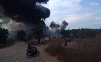 Polisi Buru Pemilik Sumur Minyak Ilegal yang Terbakar di Muba - JPNN.com