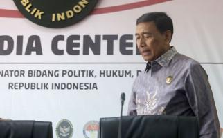 Wiranto Ditusuk, Andi Arief Terpukul - JPNN.com