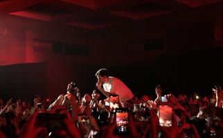 Konser Mike Shinoda yang Mengaduk Emosi - JPNN.com