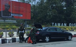 Mobil Kepresidenan Mogok di Pontianak, Begini Reaksi Presiden Jokowi - JPNN.com
