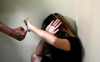 Mabuk, Pria Bejat Perkosa Ibunya Sendiri lalu Bersembunyi di Septic Tank - JPNN.com