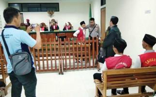 Pembunuh Anak Tiri Divonis 10 Tahun - JPNN.com