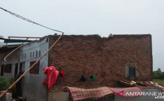 Puluhan Rumah di Deli Serdang Rusak Diserbu Puting Beliung - JPNN.com