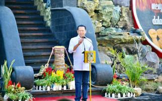 Bamsoet Resmikan Monumen Guru Indonesia di Banjarnegara - JPNN.com